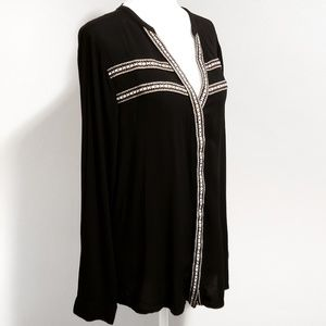BKE Button Down Embroidered Shirt Size Medium
